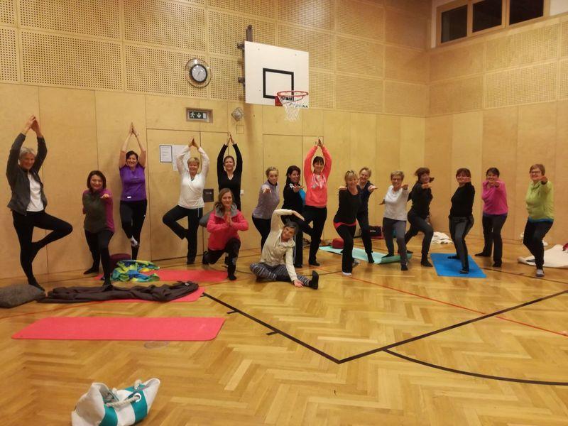 Yoga kurs ii mit barbara thomys turnen termine sportklub maishofen - Turnen mit kissen ...